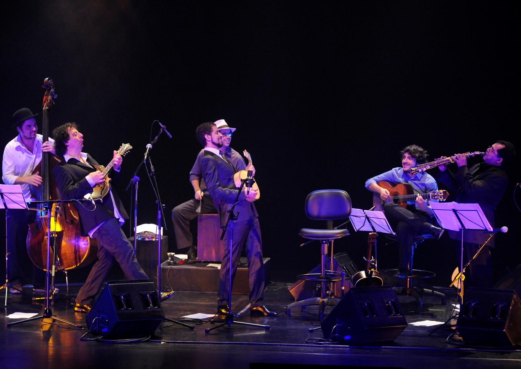 Auditório Ibirapuera, com Mike Marshall, Nailor Proveta, Guto Wirtti, João Camarero e Rafael Toledo