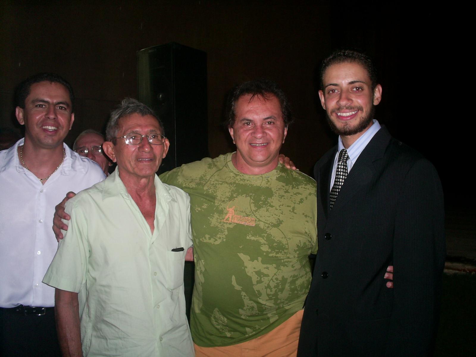 Teatro Municipal de Campina Grande, na foto, com Waguinho, Duduta e Flávio José