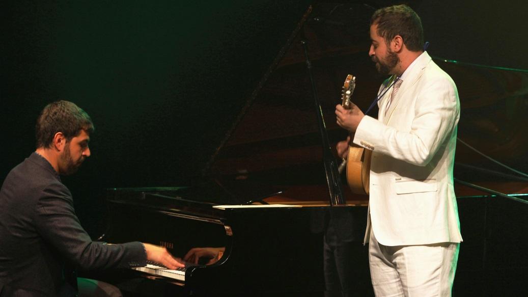 Estreia Danilo Brito & André Mehmari